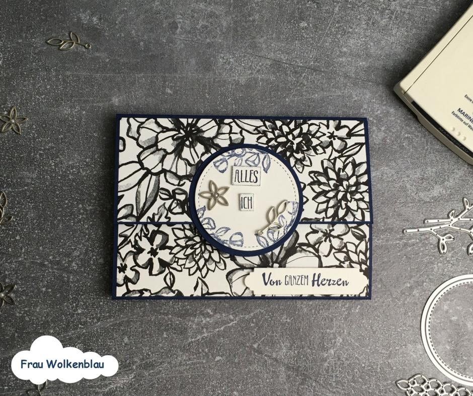 Geschenk-zum-Muttertag-Minialbum-Marineblau-Blütenfantasie